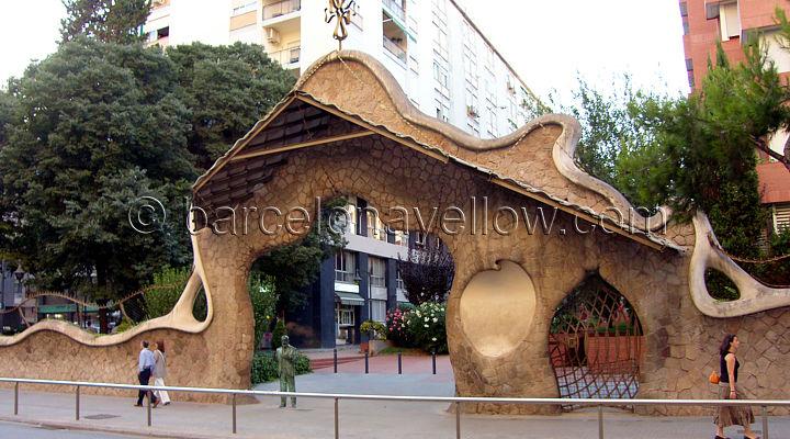 antoni_gaudi_portal_miralles_barcelona