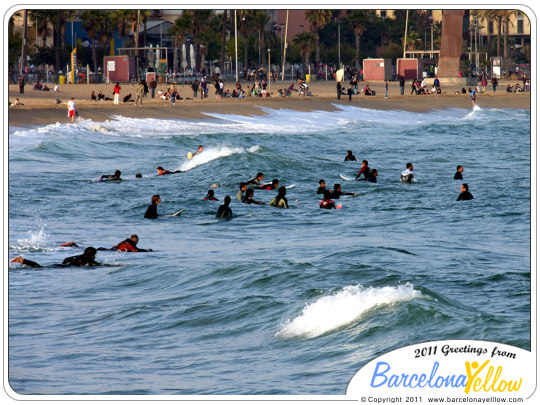 barcelona_autumn_surfers