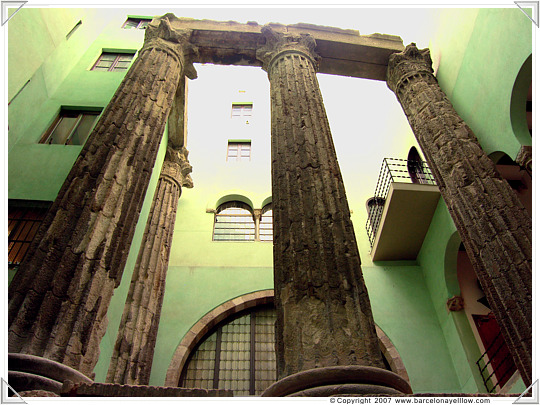 barcelona pictures roman columns