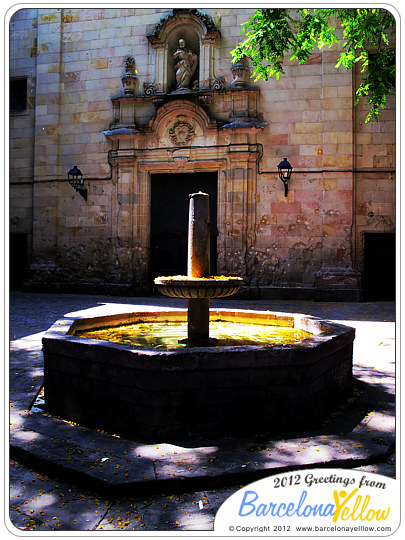 Plaza Neri fountain