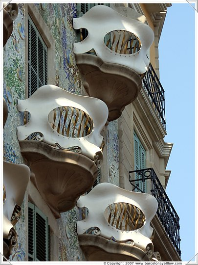 balconies casa batllo