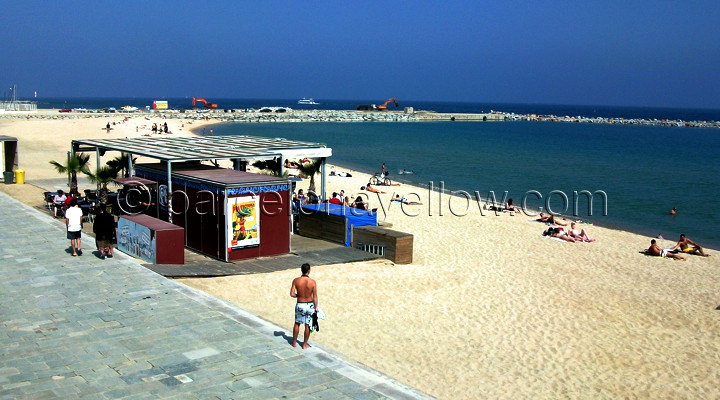 720x400_barcelona_beach-bars