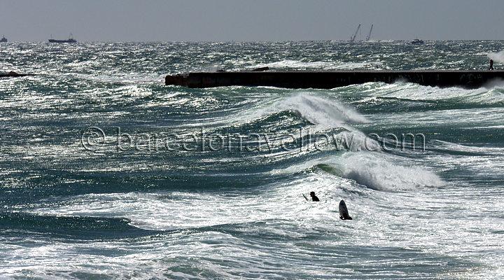 720x400_barcelona_surfing