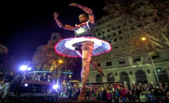 barcelona_christmas_dancer
