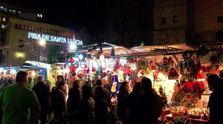 christmas_market_barcelona_fira_santa_llucia