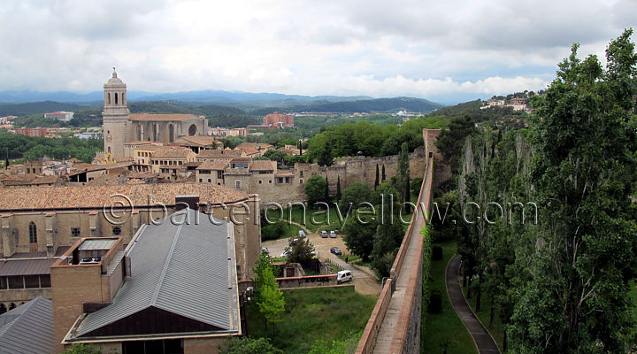 girona_cathedral_seen_from_city_walls