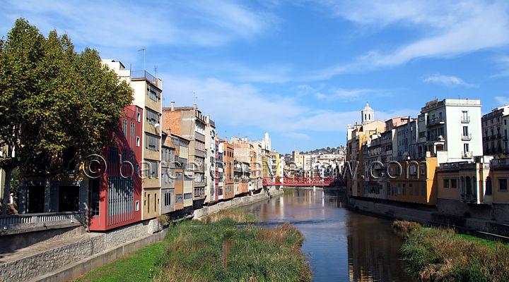 girona_houses_river