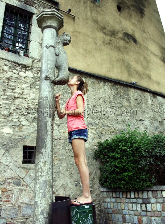 kiss_lion_ass_girona