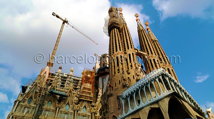 modernist_sagrada_familia