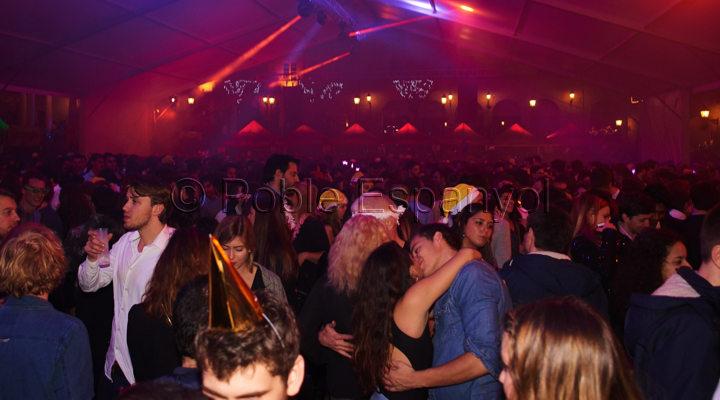 barcelona_new_year_poble_espanyol_carpa3