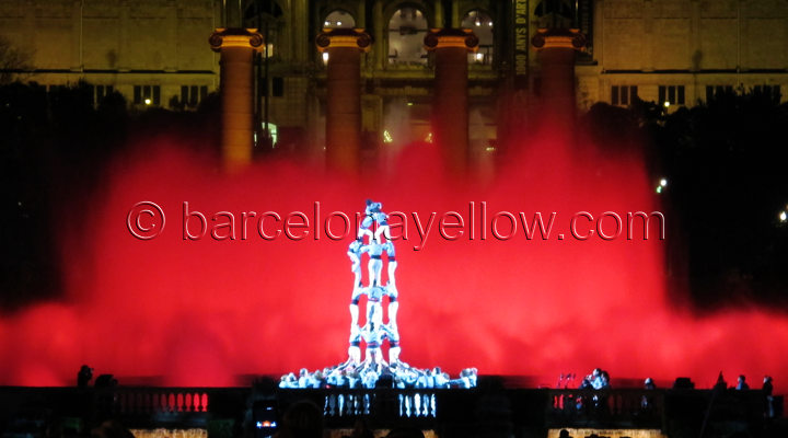 human_tower_barcelona_new_year_celebrations