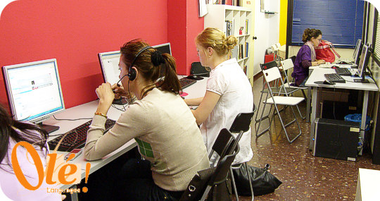 Internet cafe at Ole Languages