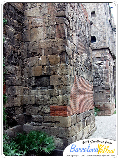 barcino_roman_wall_placa_ramon_berenguer-3