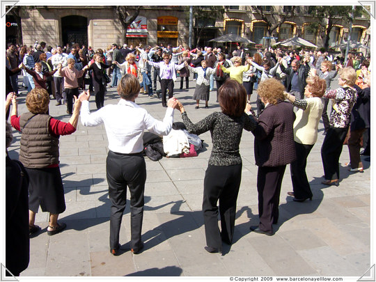 Sardanas dancing Barcelona
