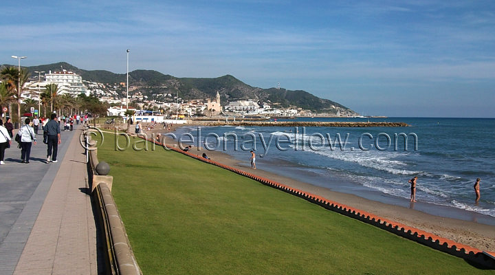 sitges_beach_promenade