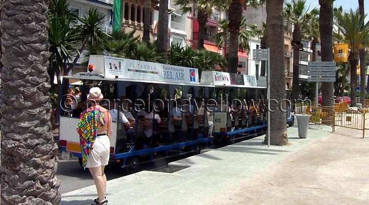 sitges_beach_train