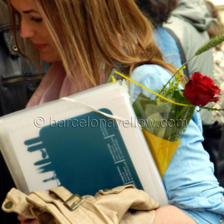 girl_rose_sant_jordi_barcelona