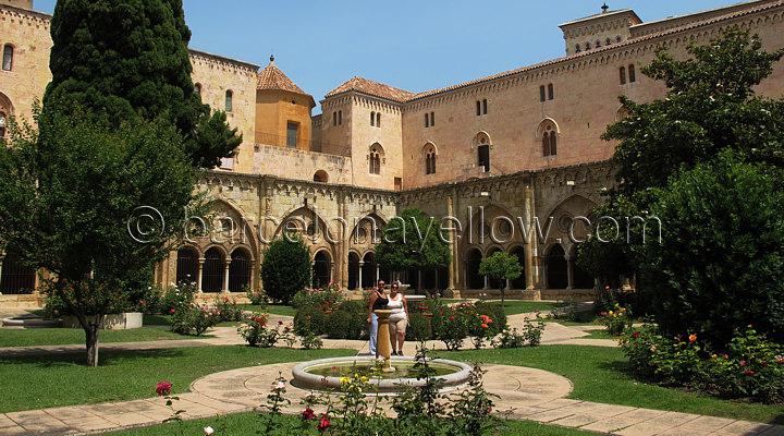 720x400_photos_tarragona_cathedral_cloister