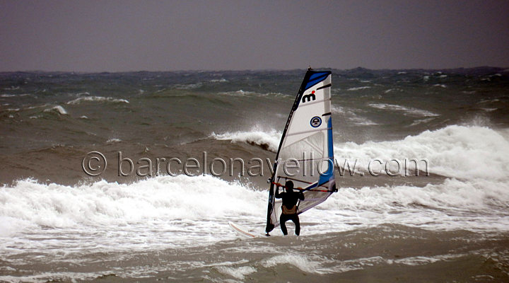 extreme_windsurfing_platjadelprat