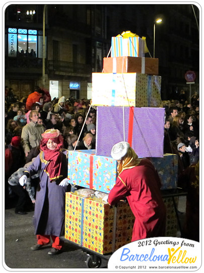La Cabalgata de Reyes Magos - presents for the children