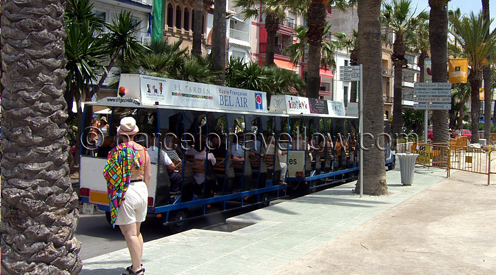 sitges_beach_train