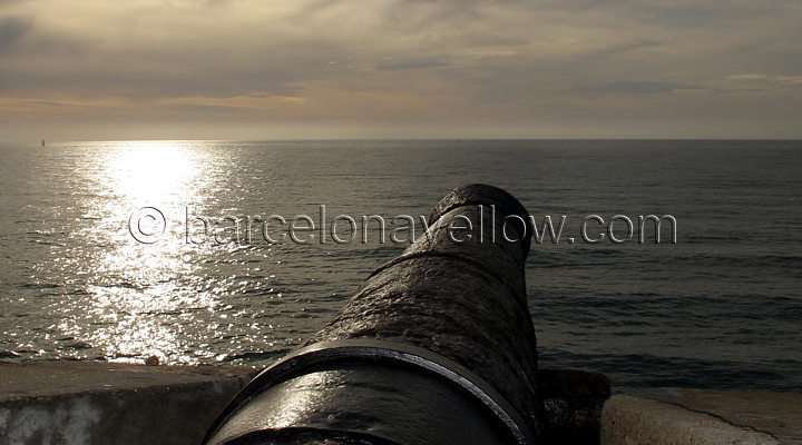 sitges_cannon_by_church