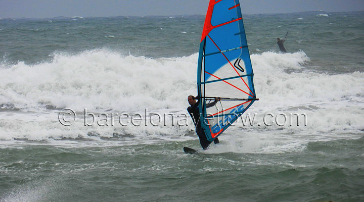 windsurfing_barcelona_spain